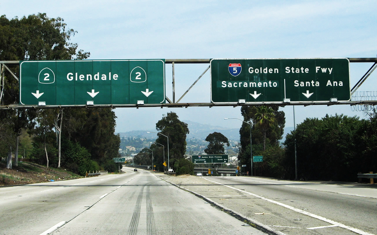 freeway sign calif