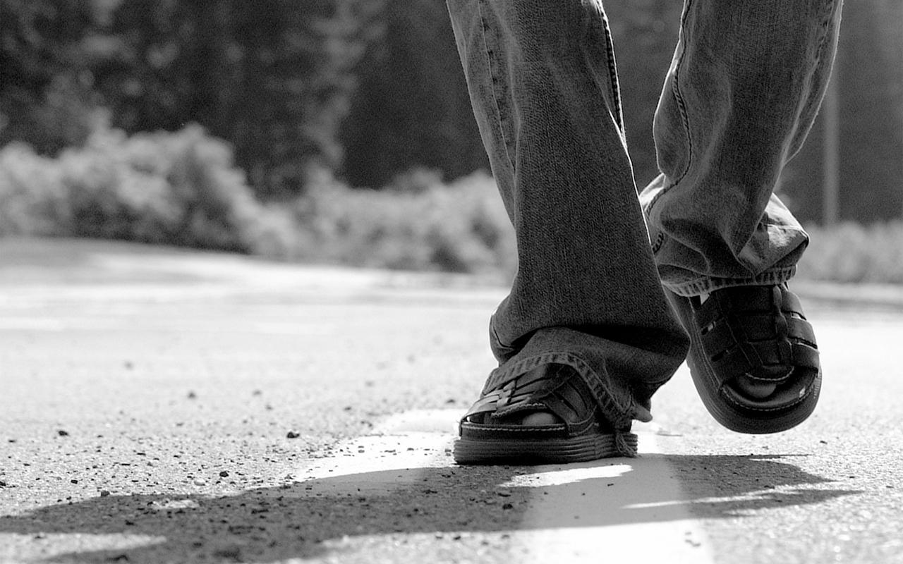 sandals walking